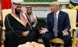 Putra Mahkota Saudi, Muhammad bin Salman bertemu Presiden AS, Donald Trump di gedung putih, Selasa (20/3).