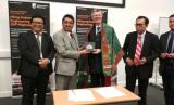 Rektor Universitas Muhammadiyah Jakarta (UMJ) Syaiful Bakhri melakukan kunjungan kerjasama ke empat kampus di Inggris.