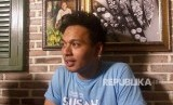 Penyanyi Rendy Pandugo