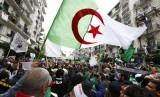 Warga Aljazair masih mengabaikan aturan-aturan pencegahan virus corona. Ilustrasi.