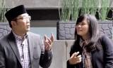 Ridwan Kamil (kiri) saat sesi wawancara bersama jurnalis Republika, Farah Nabila Noersativa