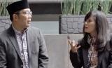 Ridwan Kamil (kiri) saat wawancara bersama jurnalis Republika, Farah Nabila Noersativa di Bandung.