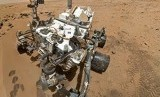 Robot The Curiosity Rover melakukan