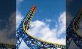 Roller coaster (Ilustrasi). Taman bermain Fuji-Q Highland meminta pengunjung tidak berteriak saat naik roller coaster.