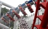 Rollercoaster Battlestar Galactica yang sedang berputar di Universal Studios Singapura. Pengunjung Universal Studios Singapura kini harus menjalani pemindaian wajah.
