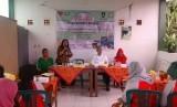 Rombongan Dinas Pertanian Provinsi Jawa Tengah menyambangi para warga di Kampung Sayuran binaan Rumah Zakat dan Cita Sehat di Mojosongo Kota Solo Rabu (7/12).