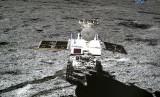Rover Yutu-2 milik Cina yang mendarat di bulan, 11 Januari 2019.