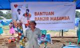 Rumah Zakat bekerja sama dengan Indonesia Muslims of Calgary Canada melakukan Penyaluran berupa peralatan makan, selimut danmatras sebanyak 22 paket yang ditujukan kepada pengungsi banjir bandang Masamba yang berada di Desa Maipi, Kec. Masamba , Kab. Luwu Utara.