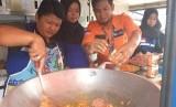 Rumah Zakat mendirikan pos segar untuk membantu korban kebakaran di Palembang,  (14/7).