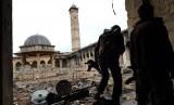 Salah satu masjid bersejarah di Suriah, hancur akibat perang.