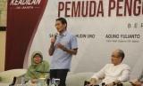 Sandiaga Salahudin Uno meminta politisi segera memikirkan nasib rakyat DKI Jakarta perihal penetapan wakil gubernur DKI Jakarta.