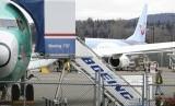 Sebuah pesawat Boeing 737 Max 8sedang dirakit untuk TUI Group di Pabrik Perakitan Boeing Co's di Renton, Washington, Senin (11/3).