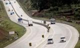 Sejumlah kendaraan melintas di jalan Tol Bogor, Ciawi, Sukabumi (Bocimi) seksi I yang telah beroperasi di Ciawi, Bogor, Jawa Barat, Kamis (3/1/2019).