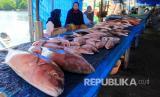 Dinas Perdagangan Kota Surakarta menyatakan sejauh ini aktivitas pasar tradisional di Kota Solo terus turun menyusul merebaknya Covid-19. Pedagang pun melakukan sejumlah cara supaya dapat terus berjualan, termasuk menerima pesanan melalui aplikasi percakapan.