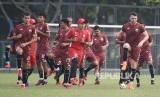 Para pemain Persija Jakarta saat berlatih. (ilustrasi)