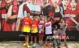 Sejumlah peserta audisi di hari kedua dengan prestasi dan skill yang cukup matang di Audisi Umum Djarum Beasiswa Badminton Balikpapan, Kalimantan Timur, Ahad (15/4).