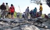 Sejumlah warga di kawasan terdampak gempa di Palu, Sulawesi Tengah