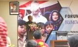 Sekjen Kementerian Desa Pembangunan Daerah Tertinggal dan Transmigrasi Anwar Sanusi memberikan arahan kepada peserta Forum Tematik Bakohumas di Malang, Jawa Timur, Kamis (25/4). Peserta juga melakukan kunjungan ke Desa Wisata Pujon Kidul yang dikeloka BUMDes setempat.