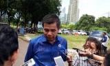 Sekretaris Jenderal Partai Demokrat Hinca Pandjaitan usai rapat persiapan pelaksanaan pidato politik Ketua Umum Demokrat Susilo Bambang Yudhoyono (SBY)   di Kediaman SBY, Jalan Mega Kuningan Timur VII, Jakarta Selatan pada Kamis (4/1).