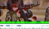 Seorang anak Indonesia sedang berlatih menembak dalam cuplikan video Beredar Video Anak Indonesia Menjadi Prajurit ISIS di Youtube