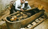 Seorang arkeolog Inggris, Howard Carter, berhasil menemukan sarkofagus milik Firaun Tutankhamen atau King Tut pada 3 Januari 1924.