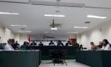 Sidang putusan dugaan pelanggaran pendaftaran calon peserta Pemilu 2019 dihadiri perwakilan 10 pelapor dari sembilan partai politik, Rabu (15/11).