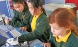Siswa belajar di sebuah sekolah di Australia.