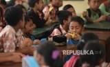Siswa membutuhkan bantuan dana pendidikan (ilustrasi)