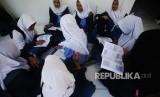 Para siswi di sebuah SMK di Depok (Ilustrasi).