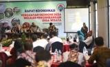 Staf Ahli Bidang Pengembangan Ekonomi Lokal Kemendes PDTT Ekatmawati membuka Rapat Koordinasi Penguatan Ekonomi Desa Melalui Pengembangan Desa Wisata di Banyuwangi, Rabu (26/6).