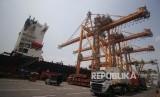 Menteri Perindustrian Agus Gumiwang menuturkan Kemenperin fokus genjot investasi dan ekspor. Ilustrasi.