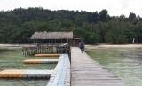 Suasana di Pantai Waiwo, Raja Ampat.