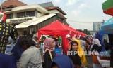 Suasana di Pasar Tanah Abang, Jalan Jati Baru Raya, Jakarta Pusat.