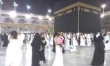 Suasana jamaah haji berthawaf