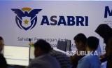Suasana kantor PT Asuransi Sosial Angkatan Bersenjata Republik Indonesia (Persero) PT ASABRI di Kantor Pusat Asabri di Jakarta, Kamis (20/12).