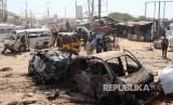 Bom mobil meledak di Afgoye, barat laut ibukota Somalia, Mogadishu, pada Sabtu (18/1). Pemberontak Somalia yang memiliki hubungan dengan Al Qaeda pun mengaku bertanggung jawab atas peristiwa yang melukai setidaknya 15 orang (Ilustrasi Bom Mobil)