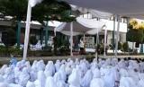 Suasana peringatan Maulid Nabi SAW di SD Bosowa Bina Insani, Bogor, Jawa Barat, Jumat (8/12).