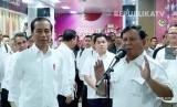 Suasana pertemuan Jokowi dan Prabowo pascapilpres di stasiun MRT, Jakarta