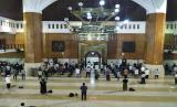 Sholat Idul Fitri di Masjid Agung Tasikmalaya hanya dihadiri warga terdekat. Ilustrasi Masjid Agung Tasikmalaya