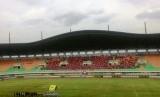 Suasana Stadion Pakansari, Bogor pada laga uji coba Indonesia vs Myanmar, Selasa (21/3).