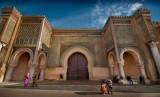 Sudut kota Meknes, Maroko.