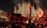 Suporter AC Milan (ilustrasi). Satu suporter Milan ditusuk usai laga kontra Bologna, Senin (9/12) dini hari WIB.