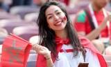 Suporter Maroko jelang pertandingan tim kesayangannya lawan Portugal di Moskow, Rusia, 20 Juni 2018.