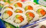 Sushi gulung.
