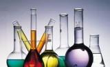 Tabung berisi berbagai macam cairan zat kimia berbahaya