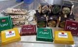 tampak beberapa produk yang dijual di Bursa Sajadah