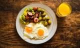 Mengonsumsi telur yang cukup diharapkan bisa menghindarkan anak dari stunting (ilustrasi)