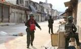 Tentara Myanmar berpatroli di Kota Laukkai, Ibu Kota Kokang.