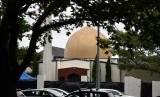 Teror Masjid Christchurch. Suasana di depan masjid Al Noor di Jalan Deans, Christchurch, Sabtu (16/3), sehari usai insiden teror yang menewaskan 49 orang.