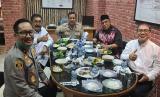 Tersangka Dua Jenderal Makan di Kejari, Kejakgung: Wajar